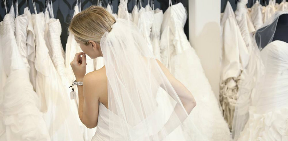 Common mistakes brides make when shopping for wedding gown