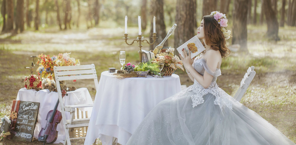 "Finding ""The One"" – Signs you've picked the right wedding gown"